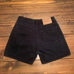 Vintage Calvin Klein shorts - size 25/26